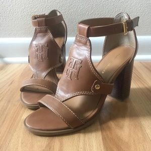 Tommy Hilfiger Brown faux leather sandals 7.5